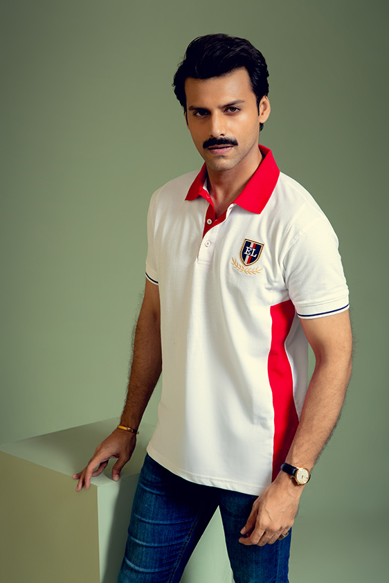 classic fit white with red contrast polo shirt
